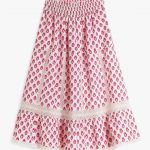 The Cienna skirt from PINK CITY PRINTS in their Strawberry Fields block print is characterised by it's delicate lace trims and flattering tiers. This skirt looks great styled with the matching Rah Rah top or worn with a simple white t-shirt.